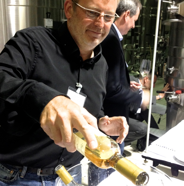 Bruno Bilancini from Monbazillac Tirecul La Gravière serving his very delicious Cuvée Madame